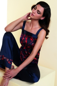 pijama de raso estampado de lise charmel