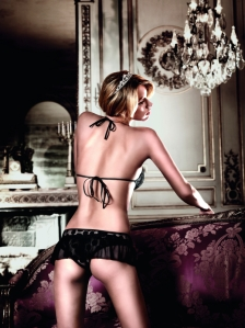 falda + sujetador baci