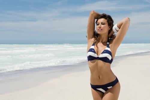 bikini de rayas de la marca Antigel