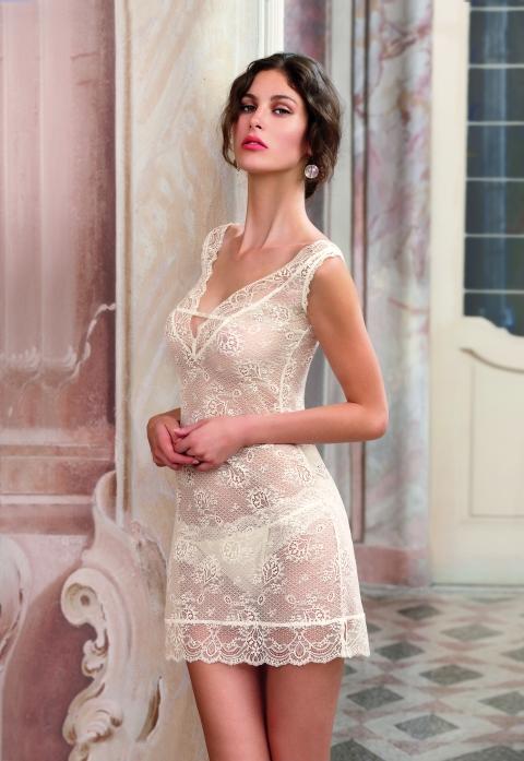 camison de novia de encaje de calais de Lise Charmel