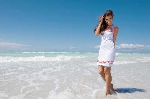 vestido blanco de la coleccion la vintage flower de Antigel 2013