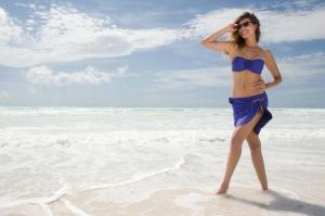 bikini con sujetador bandeau de capacidad de la coleccion Antigel baño 2013