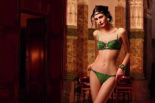 magie_cashmer_lise charmel_pespunttes_moda intima_conjunto_lujo_verde