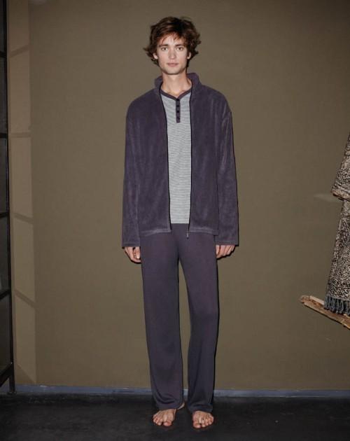 conjunto_gris_promise_pijama_chaqueta