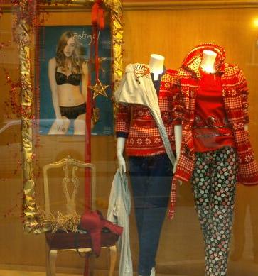 escaparate_navidad_pijamas_batas_mujer