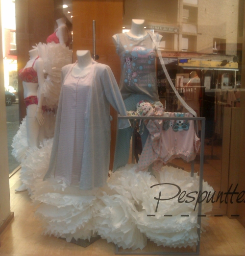 scaparate_lenceria_mujer_pespunttes