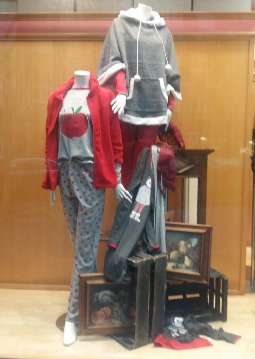 escparates_octubre_pijamas_mujer