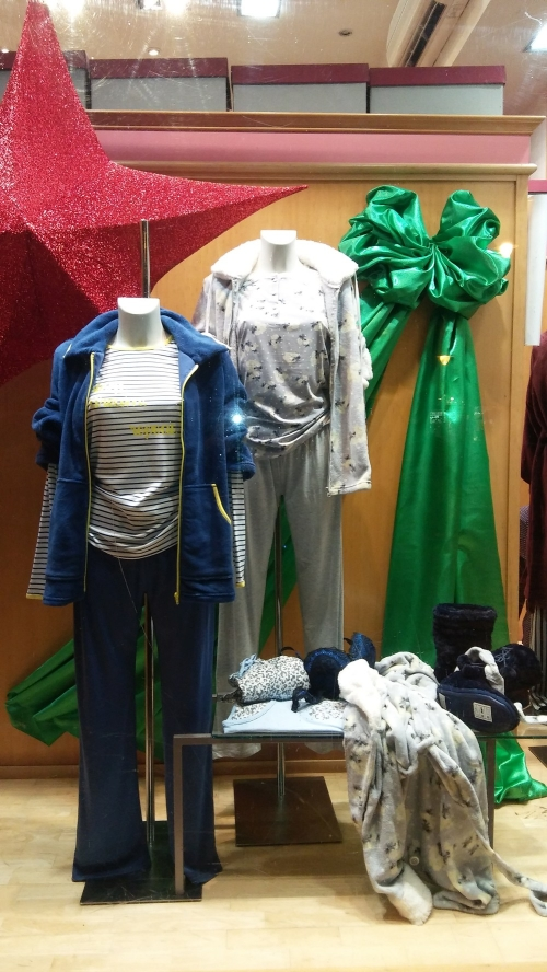 escaparate_navidad_pijamas_mujer